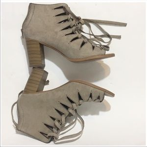 Soda LACE UP tan open toe chunky heel shoes  10